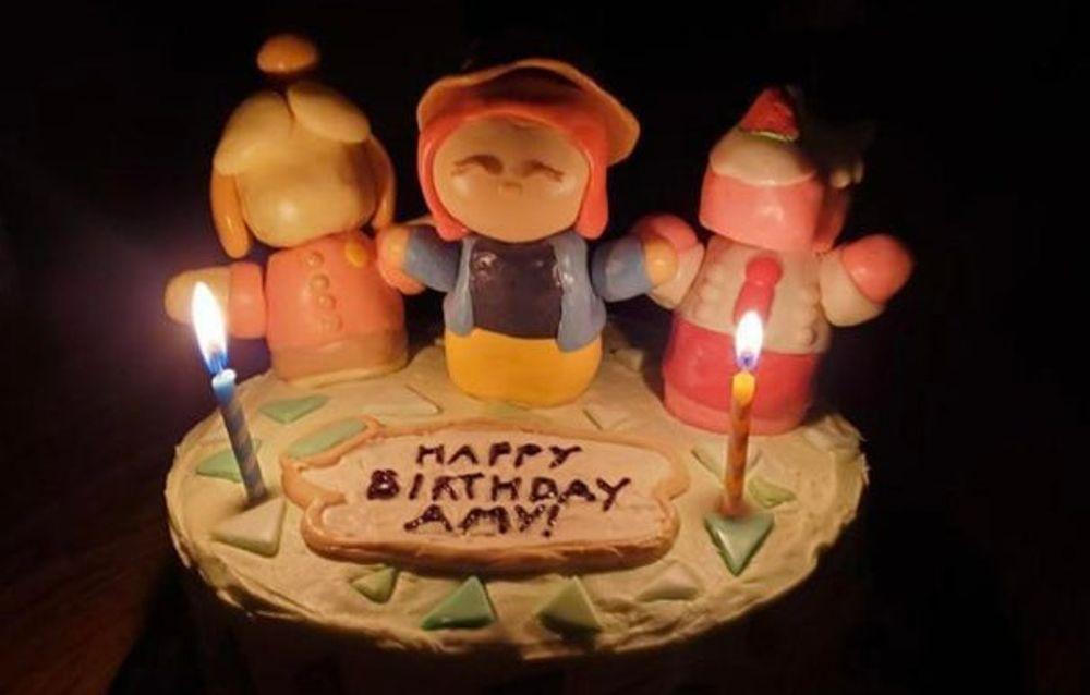 Un fan ha ricevuto una torta di compleanno a tema Animal Crossing: New Horizons!